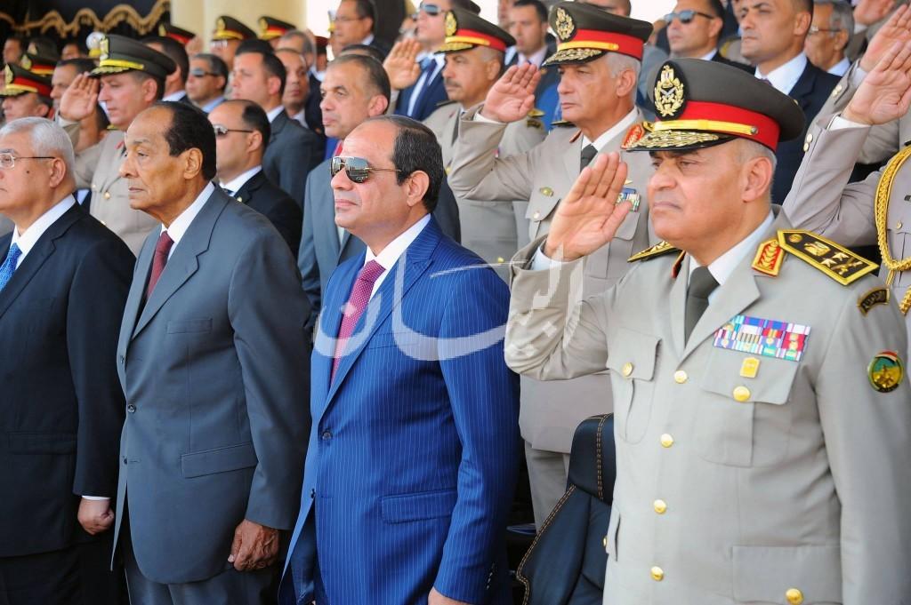 بالصور الرئيس السيسى يشهد حفل تخريج دفعات جديدة للمعهد الفنى والتمريض والحربيةوالفنية العسكرية