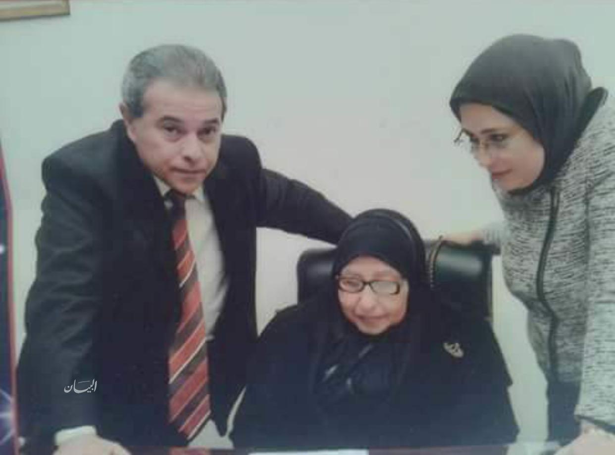 أسرة  تتمنى الشفاء لوالدة الدكتور توفيق عكاشه