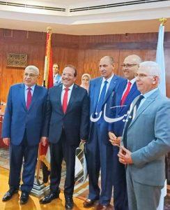 لمسة وفاء :رئيس جامعة طنطا يكرم سائقه الخاص بمجلس الجامعة