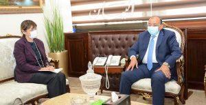 """وزير التنمية المحلية يبحث مع المنسق المقيم للأمم المتحدة فى مصر التعاون فى برنامج تطوير الريف المصري """" حياة كريمة """""""