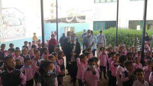 المغربى :تحضر طابور الصباح بمدرسة الثانوية بنات وتتفقد عدد من المدارس في أول يوم دراسي