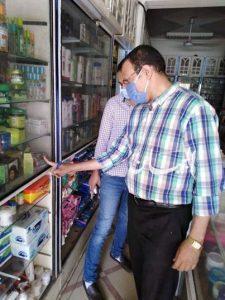 تحرير ٦ محاضر ضد محلات وصيدليات ورش وتطهير عدة قرى بكوم حمادة .