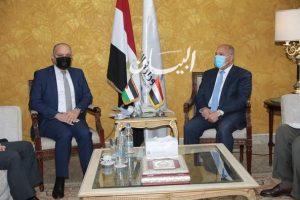 وزير النقل يلتقي بالسفير الاردني بالقاهرة لبحث تدعيم التعاون المشترك