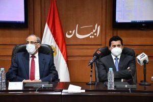 وزير الشباب والرياضة يوقع بروتوكول تعاون مع وكالة الفضاء المصرية