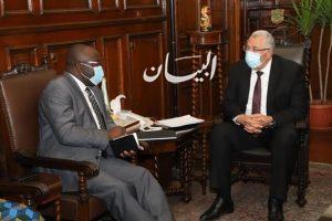 وزير الزراعة يستقبل وزيرا الخارجية والطاقة ومستشار رئيس الجمهورية بدولة غينيا