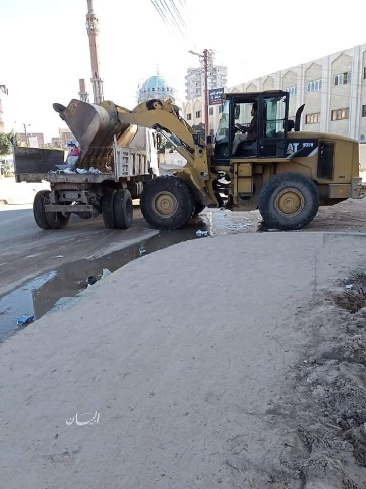 رفع ٥٥ طن تراكمات قمامة ومخلفات بطرق مدينة بدر