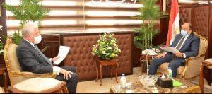 وزير التنمية المحلية يتابع مع محافظ جنوب سيناء المشروعات الجارية علي أرض المحافظة