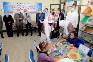 محافظ بني سويف يتفقد أول أيام الحملة القومية للتطعيم ضد الطُفيليات المعوية