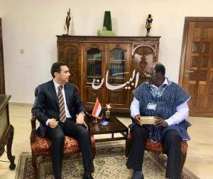 سفير مصر في أكـــرا يبحث التعاون بين مصر وغانــا في مجال الأبحاث الطبية