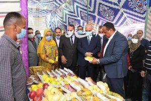 محافظ قنا يفتتح معرضين أهلا رمضان