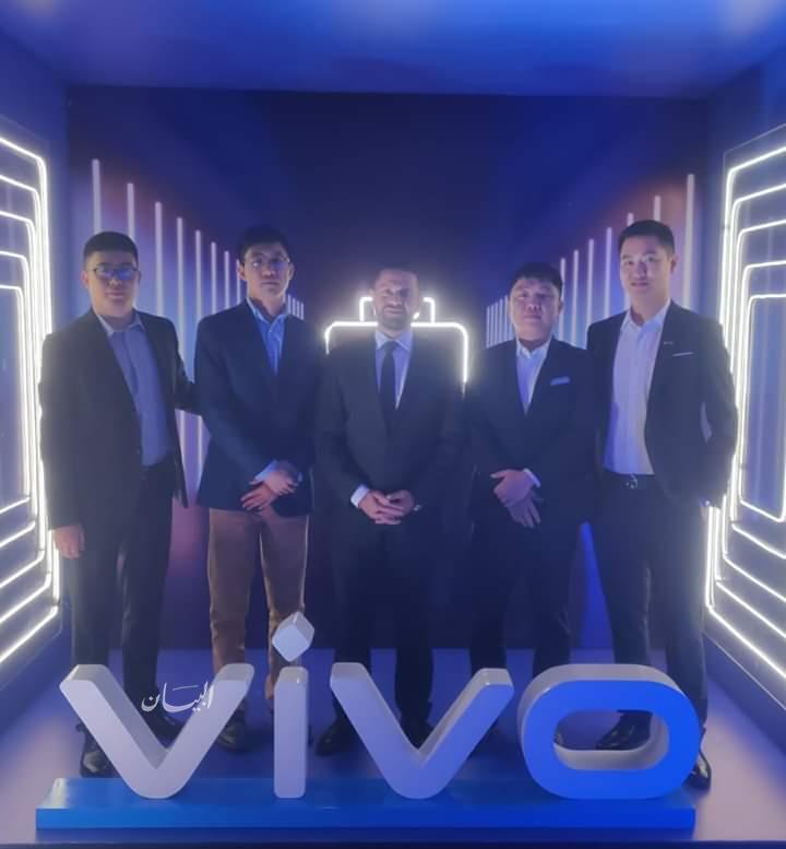 """شركة """" Vivo """" العالميه للهواتف الذكيه وشركة """"KMG"""" يوقعان عقد شراكه استراتيجيه"""