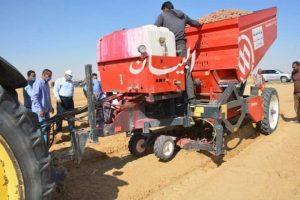 الزملوط يتفقد مشروع استثمار زراعي علي مساحة 45 الف فدان بسهل قروين
