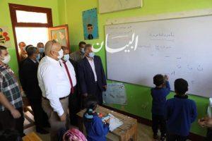 محافظ الوادي الجديد يتفقد مدرسة بدخلو الإبتدائية وأعمال إزدواج مدخل موط بالداخلة